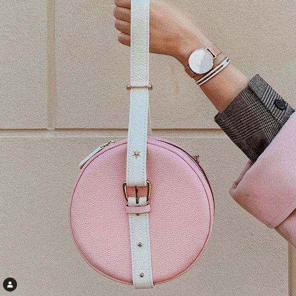 Comment bien porter votre sac à main ?