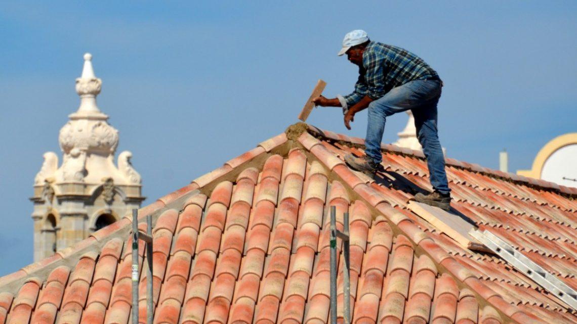 Faites appel à un couvreur professionnel pour l'installation de votre toiture
